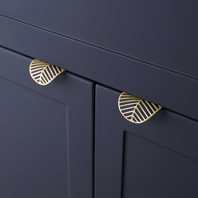 Leaf shape /brass Door knob European Antique Furniture Handles Drawer Pulls Kitchen Cabinet gold  Knobs and Handles