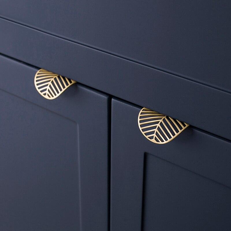 Leaf shape /brass Door…