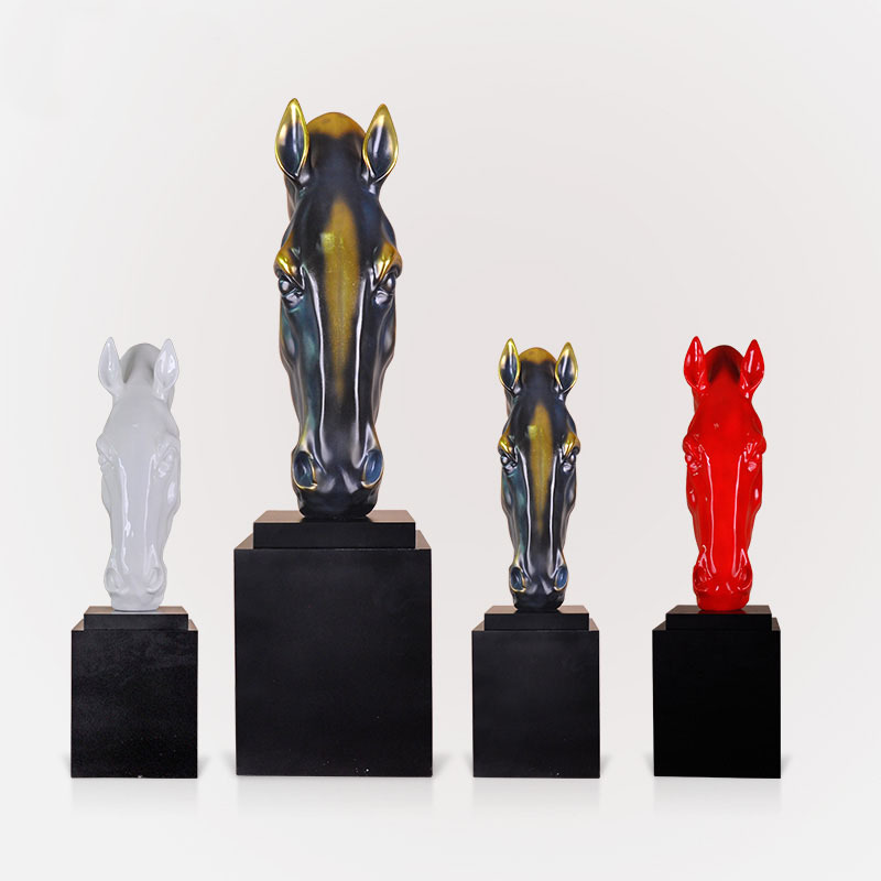 Horse sculpture resin crafts decoration decorations fall Malaysian Creative Hotel opened housewarming gifts gift