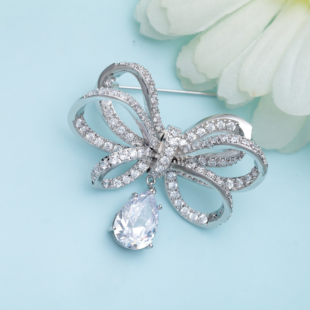 Exelent Brooches For Wedding Dresses Ensign - All Wedding Dresses ...