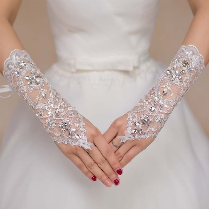 New 1pair Cheap Wedding Accessories For Bride Wedding Dress Gloves Performance Studio Supplies Crystal Barato Wedding Gloves