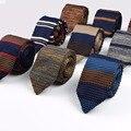 Nuevo punto de punto ocio triángulo lazos rayados flaca estrecha delgada sharp esquina cuello tiesmen flaco diseñador de tejido corbata