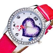 Любовь узор цифры масштаба серебряный сплав алмаз циферблат красный кожаный 20 мм ремень 2018 Для мужчин Пара Спорт Кварцевые часы наручные часы C145