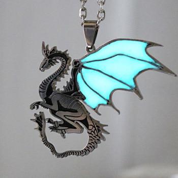 Светящееся ожерелье с драконом, светится в темноте, кулоны с драконом, ожерелье для женщин, девочек и мальчиков, Подарочная цепь для свитера