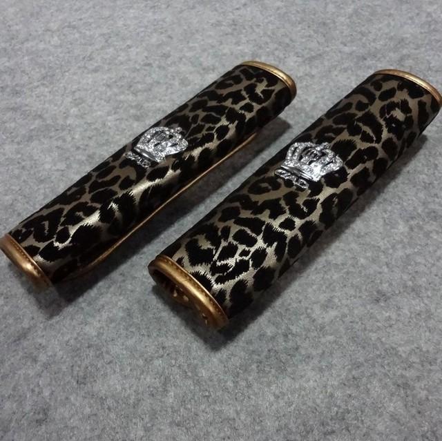 Estampado de leopardo Swarovskii corona PU de cuero asiento de automóvil cinturón de seguridad cubre decoración del coche 2 unids - oro
