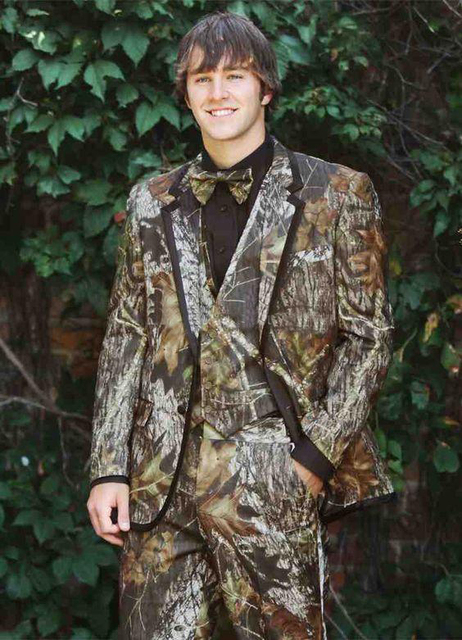 d99da06133ed0 Realtree Camo Wedding Tuxedos Farm Wedding Camouflage Suit Custom Made Slim  Fit Mens Blazers Fashion Groom Wear(Jacket+Pant+Vest