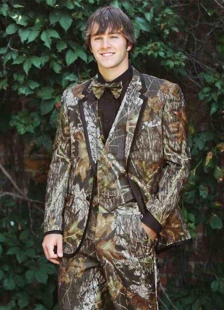 43a128ae6a7fb Realtree Camo Wedding Tuxedos Farm Wedding Camouflage Suit Custom Made Slim  Fit Mens Blazers Fashion Groom Wear(Jacket+Pant+Vest