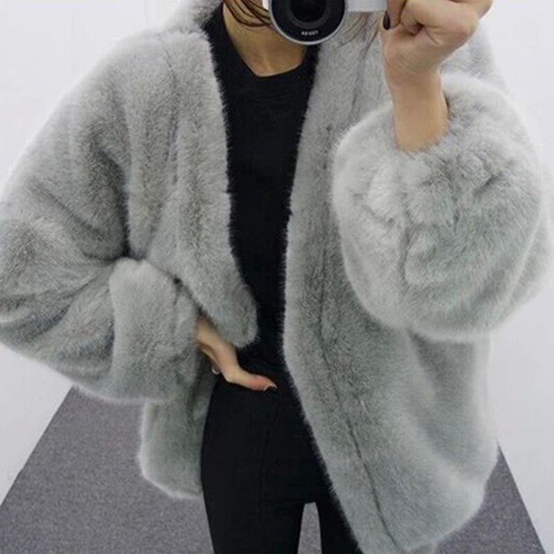 Images of Grey Fur Coat - Reikian