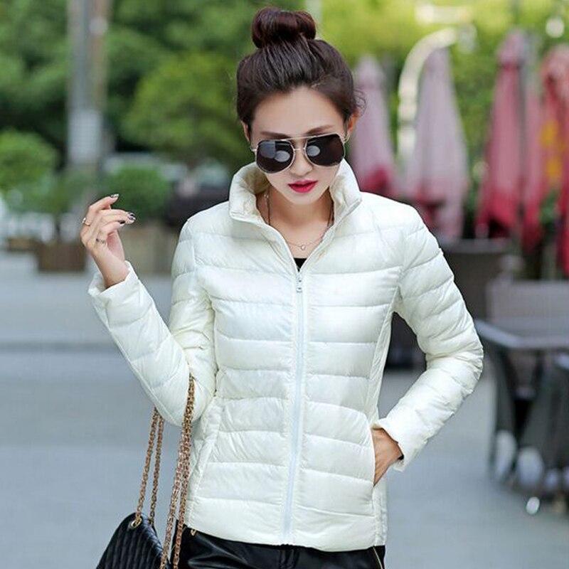 3ea42d0717a3 2017New модные брендовые женские короткие осенне-зимние пальто женские  ультра легкое белое пуховое пальто с сумкой женские куртки
