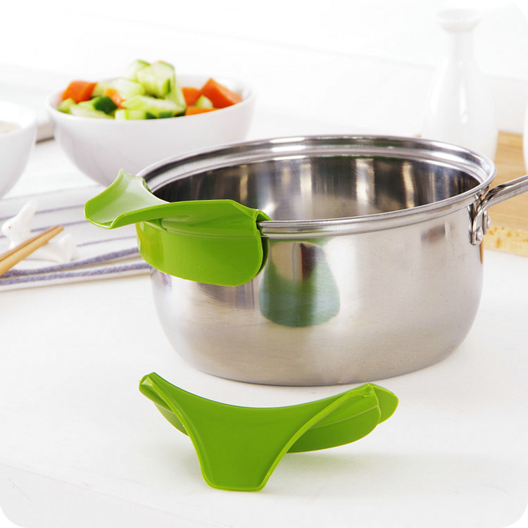 kitchen pots and pans drop ceiling lighting silicone water soup liquor pourer spout for bowls pan jar batter sauce pouring funnel tools deflector prevent spill in baking pastry