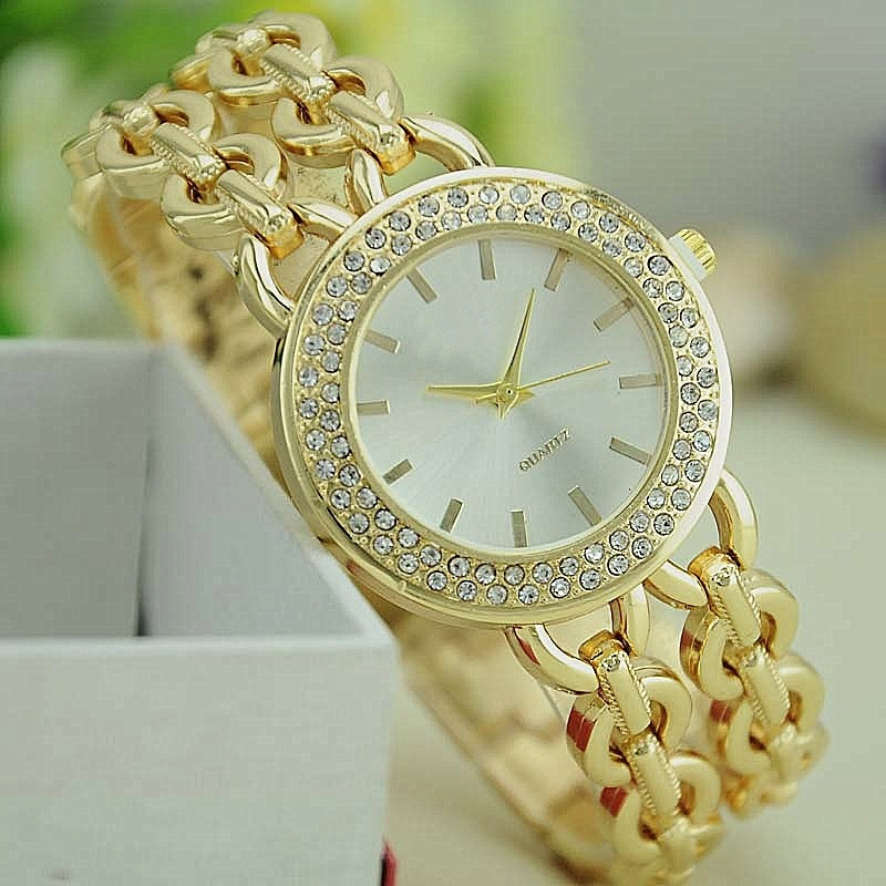 Prix pour NOUVEAU Femmes En Métal Bracelet Montre Double Or Lien Montre-Bracelet Reloj Par Dama Montres À Quartz Femme Montre
