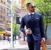 Последние конструкции пальто брюки Темно синие в полоску мужской костюм двубортный пиджак Slim Fit 2 шт. смокинг на заказ жениха костюмы для вып