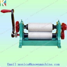 Hot sale manual beeswax comb foundation roller mill machine 86*250mm