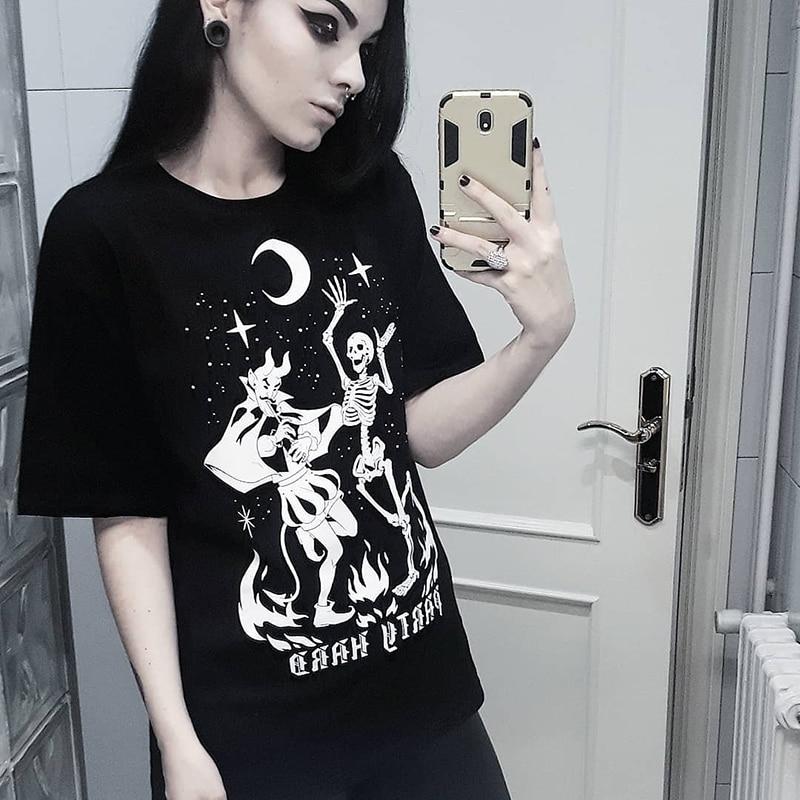 Skull Print Women T-shirt Gothic Black Tshirts Summer Casual Loose Lady T Shirts Harajuku Street Short Sleeve O-neck Tee Shirt