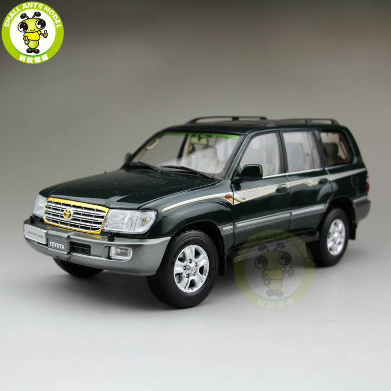 Defective Item 1:18 Toyota Land Cruiser LC100 Diecast SUV Car Model Toys for gifts collection hobby Green hot white 2012 1 18 new toyota land cruiser lc200 diecast model cars jeep suv