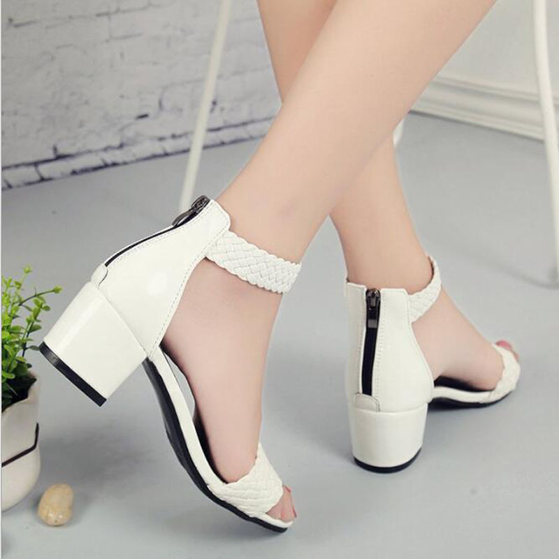 Womens Sandals Plus Size 35 44 Flats Sandals For 2018 Summer Shoes Woman Peep Toe Casual Shoes Low Heels Sandalias Mujer Black in Middle Heels from Shoes