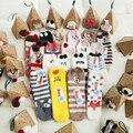 Nuevo 2017 mujeres de Regalo de Navidad calcetines de Invierno Cálido Casual Velvet ladies Animal Lindo de Navidad Calcetines Térmicos Femeninos calcetín Piso casa