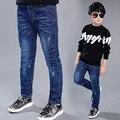 Novo 2016 Coreano Crianças Meninos Calça Jeans Nova Moda Além de Veludo WinteWarm Sólido Elástico Na Cintura Denim Calças Quentes Crianças Calças de Vestuário