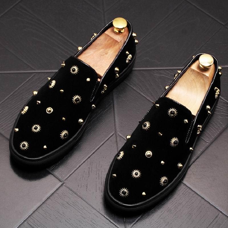 Ayakk.'ten Erkek Rahat Ayakkabılar'de ERRFC Tasarımcı Lüks Erkek Siyah rahat ayakkabılar Moda Perçin Düz Platform makosen ayakkabı Adam Için Gelgit Üzerinde Kayma parti ayakkabıları 38 43'da  Grup 1