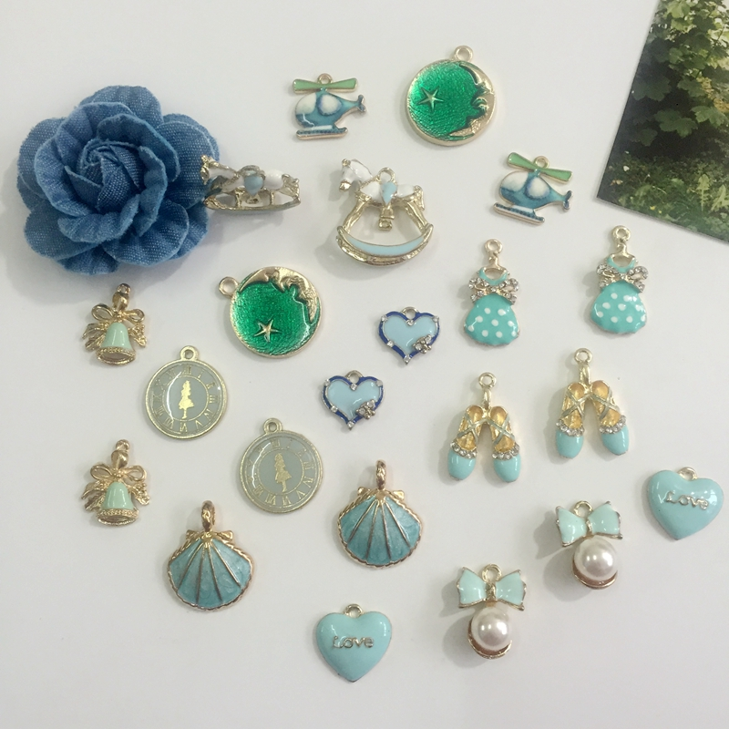 Promotion 22Pcs Mix Green Styles 10-27MM Glass Rhinestones + ABS Pearl+ Glazing KC Gold Alloy Pendants Jewelry Charms image