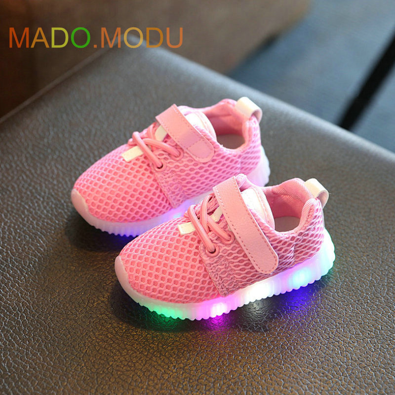 Children Sneakers with light 2018 New Spring Breathable Kids Sports shoes Baby boys Luminous shoes for girls LED shoe EU 21~30