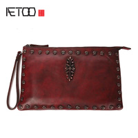 AETOO Retro Handicrafts Original National Wind Ladies Clasped Baotou Layer Of Cowhide Shoulder Messenger Bag Female