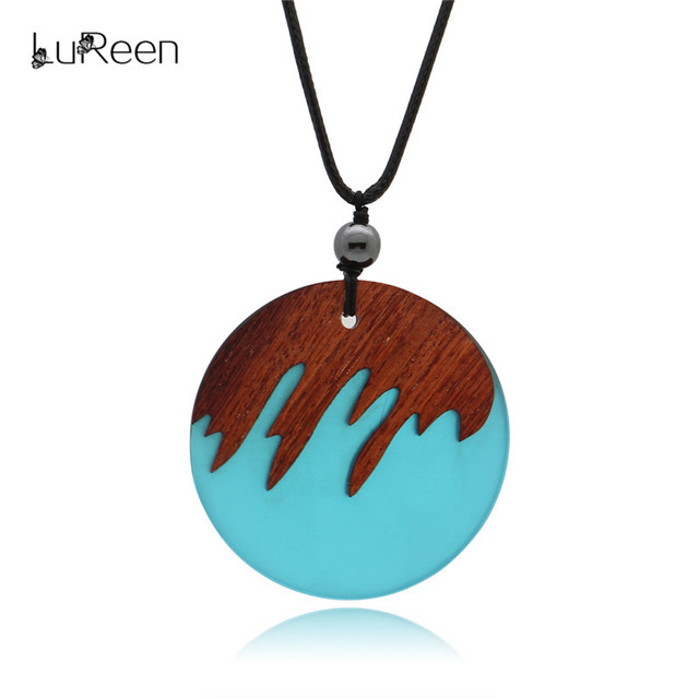 22f6d944537053 LuReen Vintage Resin Wood Pendant Necklaces Handmade Round Wooden Long  Necklace Women Men Rope Chain Party Jewelry Gfit LN0254