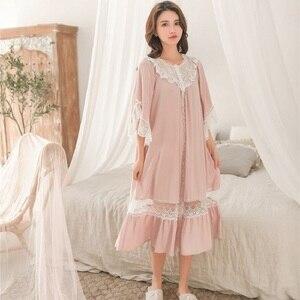 Image 2 - Süße Mode Weiße Spitze der Frauen Lange Nachthemden Sommer Halb Hülse Weiche Viskose Lose Weibliche Nachtwäsche Plus Größe