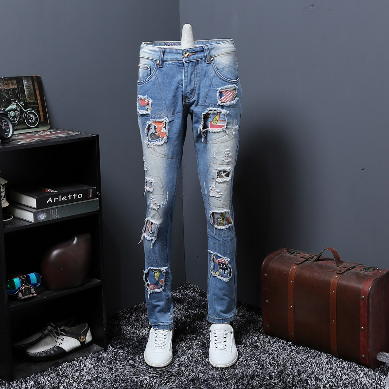 Personality Badge Patchwork Jeans Men Ripped Jeans Fashion Brand Scratched Jeans Hole Denim Straight Slim Fit Casual Blue Pants personality patchwork jeans men ripped jeans fashion brand scratched biker jeans hole denim straight slim fit casual pants mb541