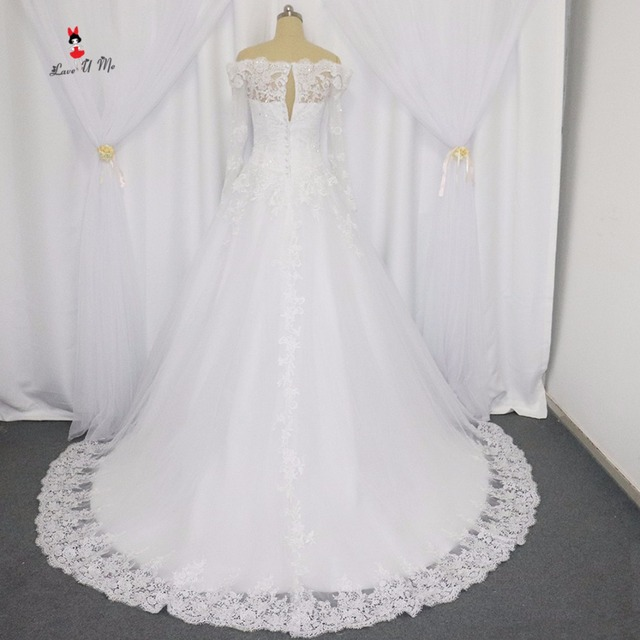 Vestido de Noiva Manga Longa Garden Long Sleeve Lace Wedding Dresses Ball Gown  Bridal Dress 2017 Brush Train Wedding Gowns Boda 06566cd86171
