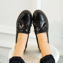 New Fashion Women Patent Leather Loafers 2016 Autumn Tassel Casual Girls Shoes Slip on Woman Flats