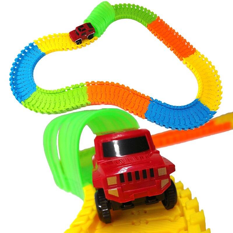 121 stücke DIY Stunt Triebwagen Vielzahl Track Auto Durch Cave Tunnel Pädagogisches Spielzeug für Kinder Geschenk C-typ auto Modell