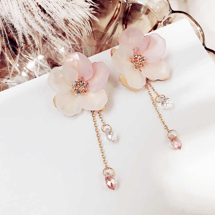 Bohemia Acrylic Plant Women Dangle Earrings Fresh Frosted Petals Dripping Earrings For Women Drops Earrings