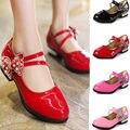 Shoes de cuero de los niños niñas primavera 2017 de la marca de moda infantil vestido de la princesa negro niños wedding shoes