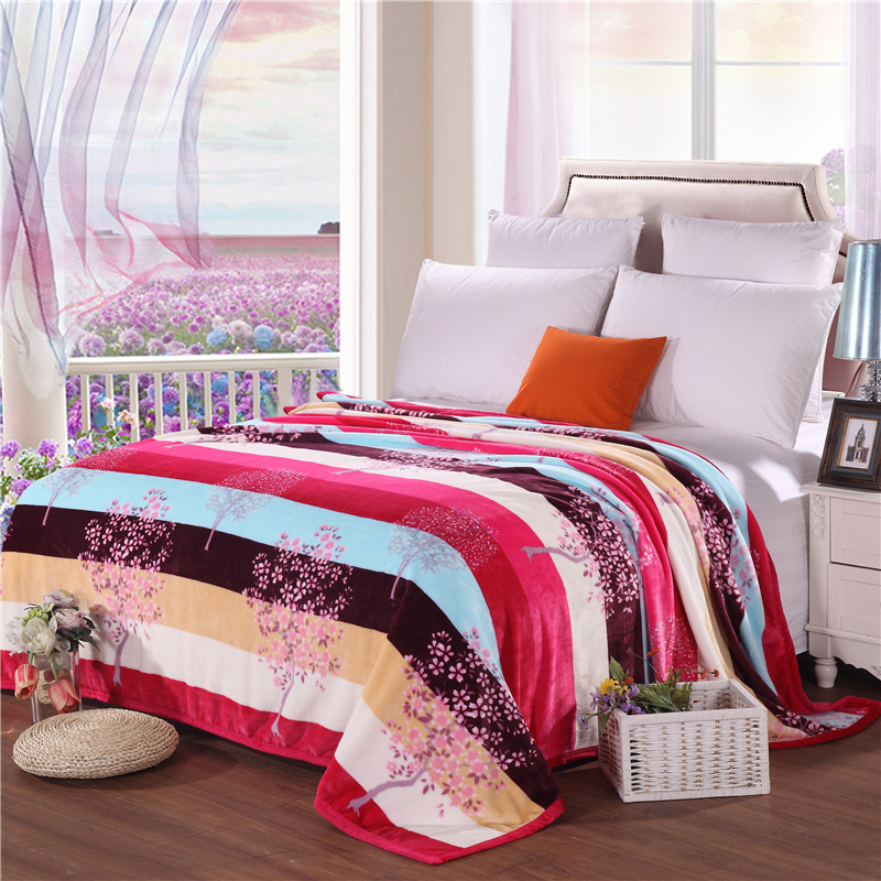 Stylish Color Stitching + Red Prints Patterns Bedspread Blanket High Density   Blanket To On For The Sofa/Bed/Car Table Plaids