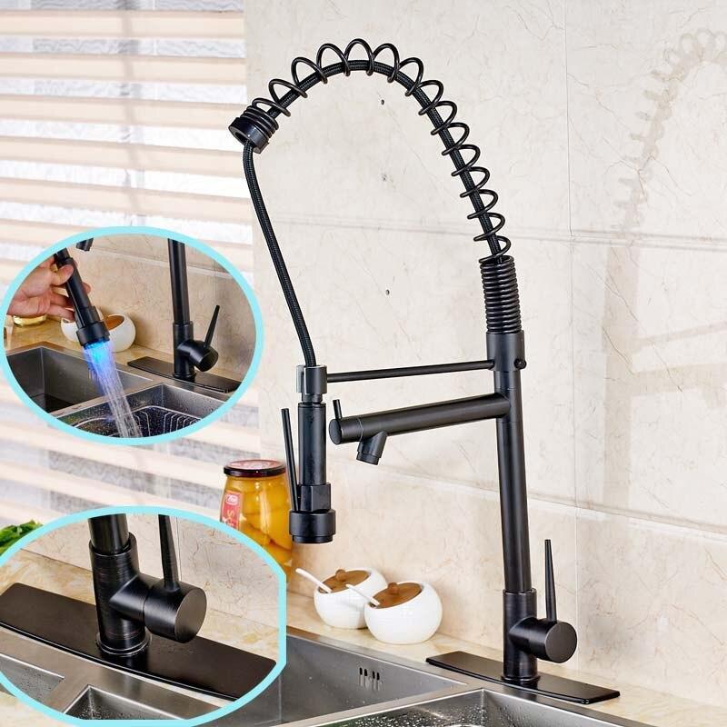 Европейский стиль Кухня раковина смеситель с отверстием накладкой и светодиодные опрыскиватель