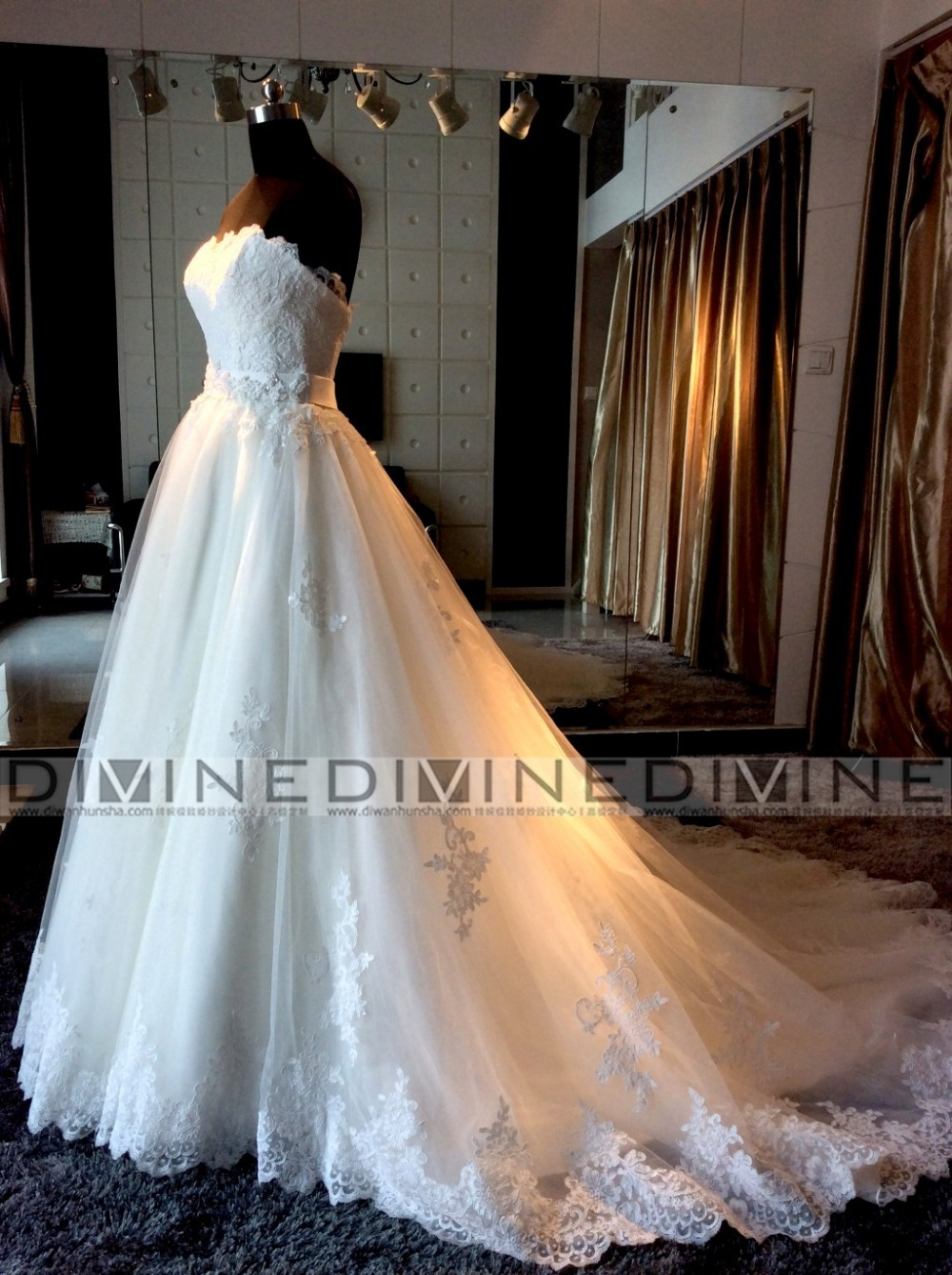 ball gown wedding dress with chapel train train wedding dress African Sweetheart White Wedding Bridal Dresses Trends