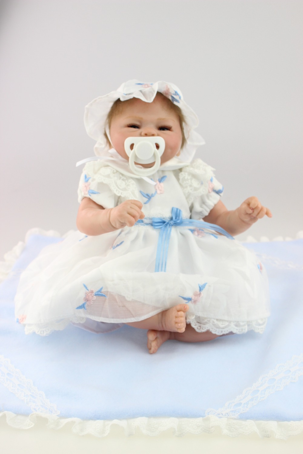 2015 new design  lifelike reborn baby dolls fashion doll silicone vinyl real soft gentle touch for children 17inch new fashion design reborn toddler doll rooted hair soft silicone vinyl real gentle touch 28inches fashion gift for birthday