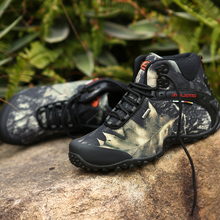 New waterproof canvas hiking shoes boots Anti-skid Wear resistant breathable
