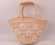 유명한 디자이너 숙녀 짠 뜨개질 메신저 Crossbody 가방 새로운 여름 소녀 보헤미안 여성 술 빨대 작은 해변 핸드백.