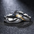 R125 Fashion Wedding Brand Golden Pair Rings Set For Women Men Hafl Heart Shape Opposite Black Enamel Ring 2pcs In One Pack