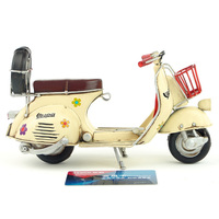 hot sale Vespa mini metal motorcycle model yellow flower Italy vintage motorcycle toy two wheels Diecast metal model motorcycle