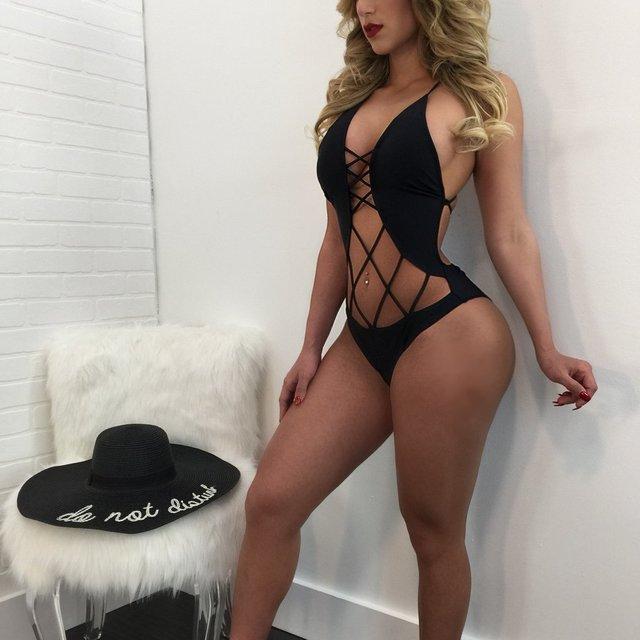 Sexy kardashian ass