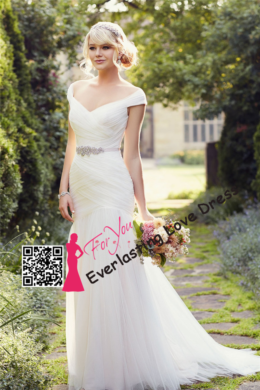 modest wedding dresses flowy wedding dresses Arizona bride flowy wedding dress