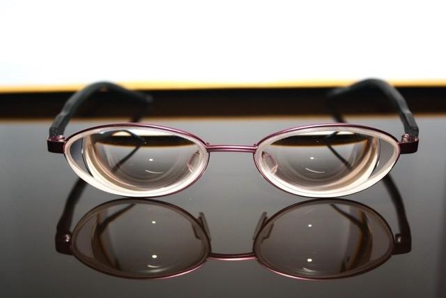 Красный круглый стекло материала линзы близорукий близорукость myodisc близорукие женщины девушка женщина слабым зрением помощь очки-оптовые 17D PD60