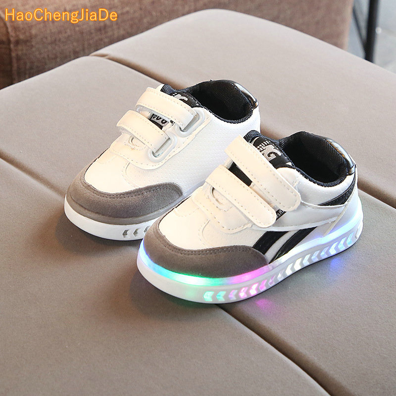 2018 high quality LED shoes children Hook^Loop cool excellent baby sneakers lighting up girls boys shoes glowing footwear2018 high quality LED shoes children Hook^Loop cool excellent baby sneakers lighting up girls boys shoes glowing footwear