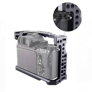 Image 3 - Magicrig dslr câmera gaiola com punho da nato + hdmi cabo braçadeira para sony a7riii/a7rii/a7ii/a7iii/a7sii dslr gaiola kit de extensão