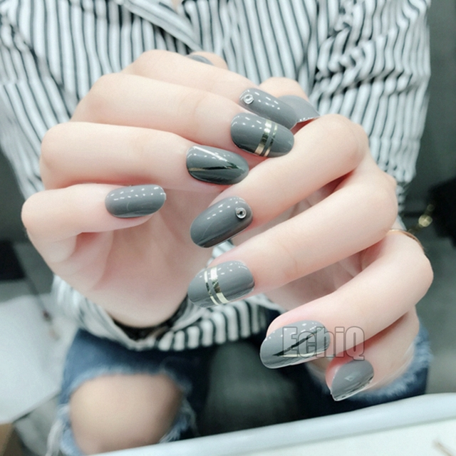 28pcs 3d Crystal Nail Art Tips Dark Gray Short Pre Glued Manicure