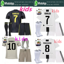 d55af84f18 2018 Serie a patch Qualidade JUVENTUSES RONALDO Jérseis De Futebol crianças  kit + meias 18 19 Dybala Casa Longe Terceira Camisa .