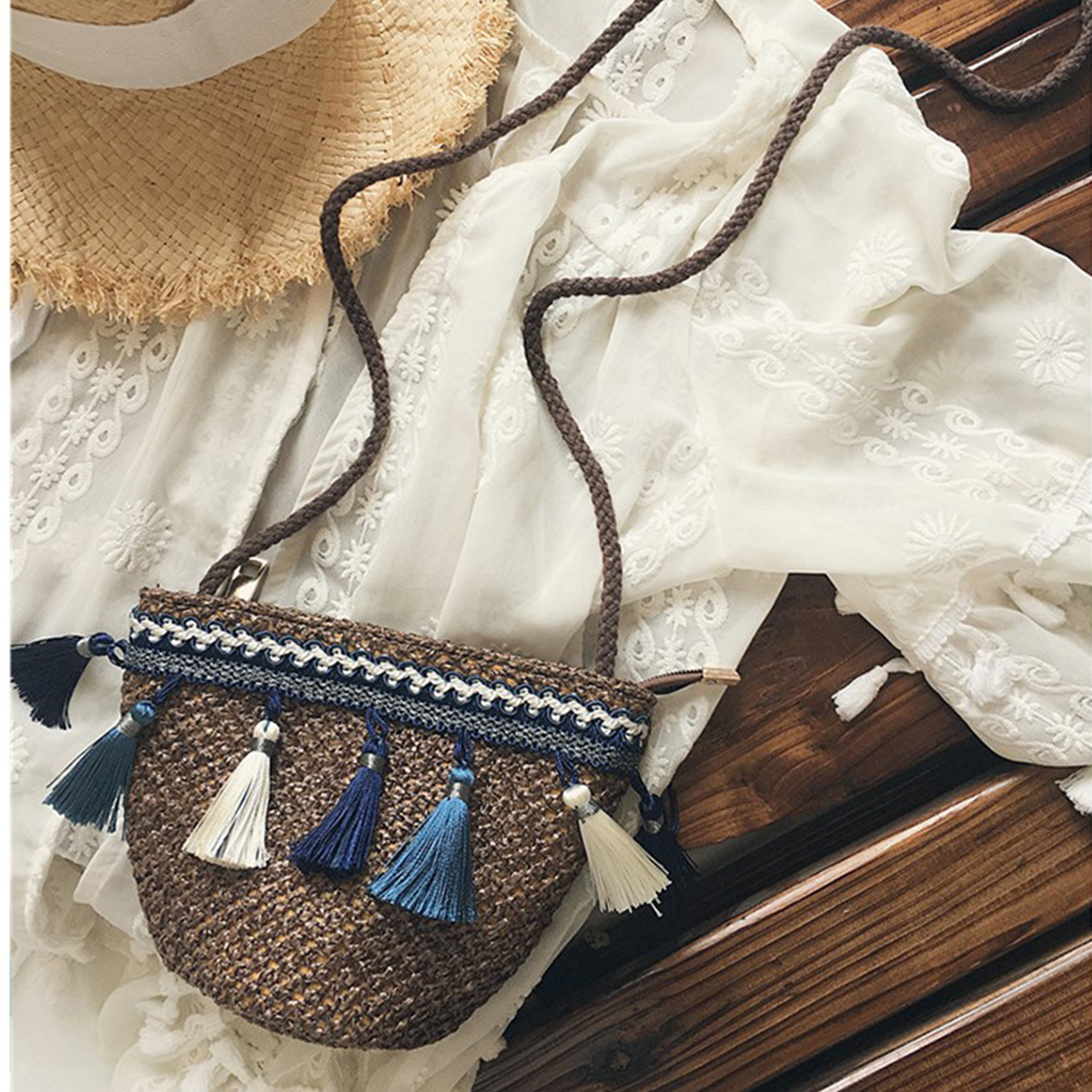 Retro Summer Beach Bag Handmade Tassel Braid Straw Small Tote Beach Shoulder Handbag Straw Bag Women Beach Bags beach straw bags women appliques beach bag snakeskin handbags summer 2017 vintage python pattern crossbody bag